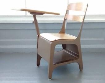 Vintage, Kids Desk, School Desk, Kids Desk and Chair, Childrens Desk and Chair, Vintage, Kids room Furniture, Home Decor, RhymeswithDaughter