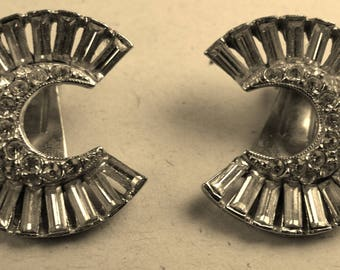 Rhinestone circle clip earrings