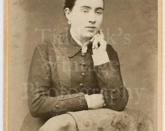 CDV Carte de Visite Photo Young Pretty Victorian Woman by  Medrington of Bath England