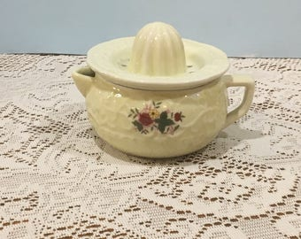 Vintage Reamer Juicer ~ Creamy Yellow with Red and Yellow Flowers ~ 1898 China Company ~ Citrus Juicer