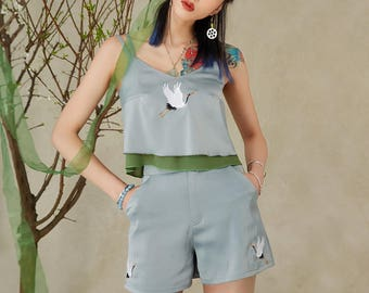 Lost in Kyoto Collection grey-green/red/white/black Japanese style summer crane set2 top and shorts