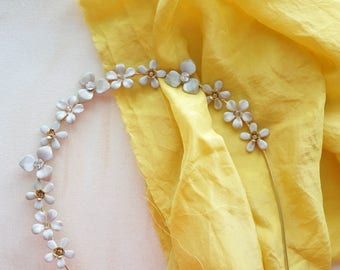 Delicate Flower crown, White and Gold Crown, Floral headpiece, Rhinestones bridal, Flowers Headband, Gold Floral Head Piece, Wedding Hair