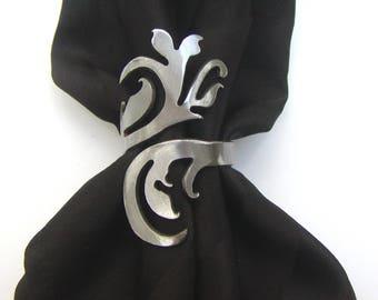Victorian-style Elegant Swirl Metal Napkin Ring, Set of Four