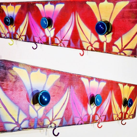 Art Deco decor /nouveau flowers /Necklace holder jewelry hanger /reclaimed wood wall hanging rack /makeup organizer 3 knobs 4 colorful hooks