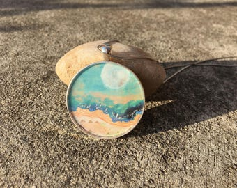 Resin pendant: Beach Scene