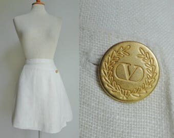 Ivory Highwaisted Vintage Skirt // Gold Button // Mini Skirt