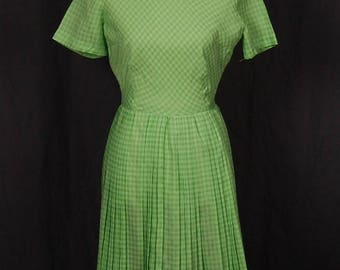 1960s Georgia Griffin Vintage Green and White Gingham Sheath Short-Sleeve Dress