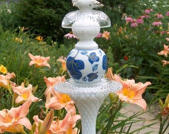 White Bird Garden Stake