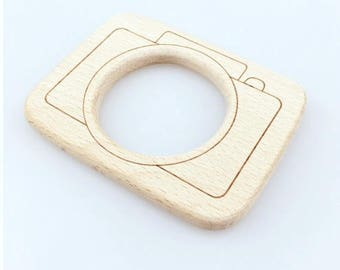 Toy teether large CAMERA natural wood, untreated, baby gift, shower gift, baby teether, eco-friendly toy, breastfeeding, Chewing pendant
