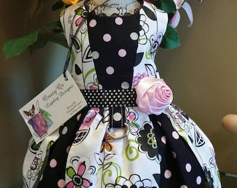 Pretty special occasion petal bottom dog dress size small