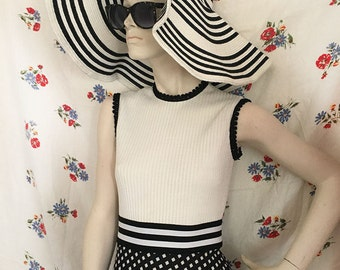 1970s black and white mod dress!
