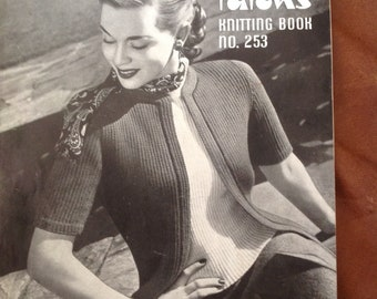 Booklet patons 1940s 1950s knitting patterns. Book no 253 Vintage knitting pattern book