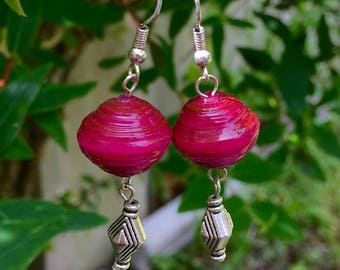Chunky magenta paper bead earrings