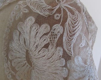 Antique French Beige Lace Collar Embroidered Tulle Galeries Lafayette Paris