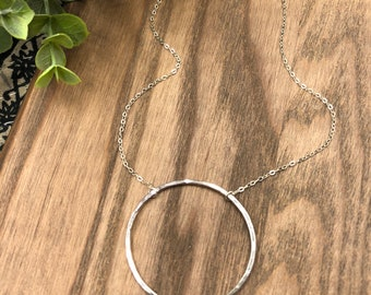 Large Hammered Circle Necklace / Eternity Hoop Necklace / Circle Necklace / Sterling Silver Hoop Necklace / Minimalist Necklace