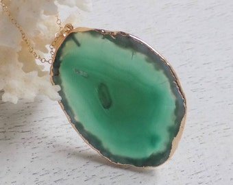 Agate Necklace, Green Agate Necklace, Slice Agate Pendant, Oval Sliced Agate Necklace, Geode Necklace, Gold Layering Necklace, Boho, 5-264