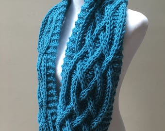 Celtic Cables / Chunky Hand Knit / Infinity Scarf / Blue / Aquamarine / Winter Scarf