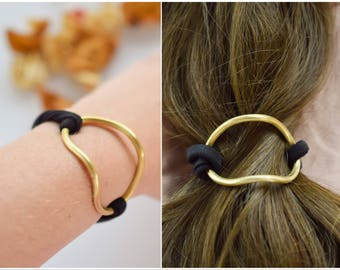 Curved brass hair cuff with elastic cord, brass bracelet, ponytail holder, simple brass hair accessory, bun pin, hair holder, hair jewelry