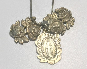 """Sterling Mary Roses Tri-Pendant Marked each Pendant Large 1"""" x 3/4""""Thick Rounded 18"""" Chain Sacred Medals Spiritual Catholic Faith Church"""