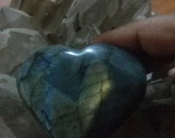 Blue yellow Labradorite 122,58 Gr-heart