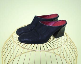 Amazing vintage Donald Pliner black suede mules with unique flared blockheel and bright red insole