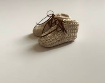 Cozy Crochet moccasins, Crochet moccasins, Crochet booties, crochet baby shoes