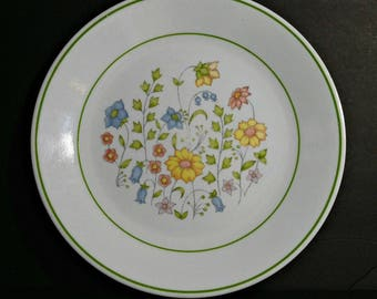 Vintage Corelle Meadow Dinner Plate / 1970s Corning Corelle Dinner Plate Blue Yellow Pink Meadow Flowers and Green Bands