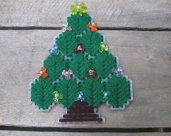 Needlepoint Refrigerator Magnet, Christmas Tree Magnet, Christmas Magnet, Fridge Magnet, Christmas, Holiday Kitchen Decor, Secret Santa Gift