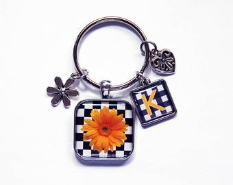 Gerbera Daisy keychain, Monogram Key ring, Daisy Keychain, Flower keychain, Stocking stuffer, gift under 20, initial keychain (7900)