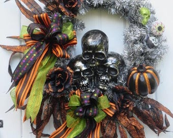 Halloween Door Wreath, Halloween Skulls, Halloween Front Door Wreath, Hand Painted Halloween  Pumpkins, Halloween Decor, Halloween Wreath