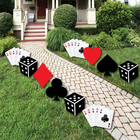 Las vegas casino party decorations outdoor yard party for Decoration poker