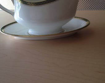 Wedgwood Bone China Gravy Boat with Fitted Saucer, Discontinued China, Vintage Wedgewood Chester Gravy Boat, Need Missing Pieces of China?