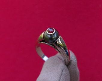 Bague perle noire et rubis en or blanc, bague jonc, perle de Tahiti, rubis cabochon, solitaire or blanc 18cts, 1990, livraison offerte