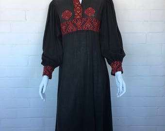 Vintage 70's Romanian Cotton Gauze Embroidered Hippie Bohemian Gypsy Folk Festival Peasant DRESS