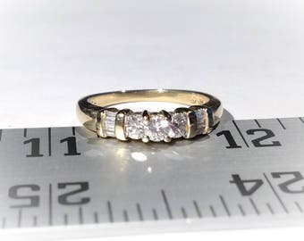 Estate 14K Yellow Gold Diamond Ring (0.48 Cts Total)