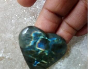 Labradorite, Rainbow and blue 24,90 Gr-heart