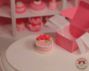 Miniature Cake with Flowers - Pink, Dollhouse Pink Cake, 1:12 Scale Dollhouse Dessert