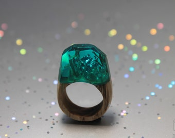 Mermaid Wood Ring, Sparkle Epoxy Ring, Forest Ring, Green resin ring, Nature Wood Ring, Wooden Band Ring, Woodland jewelry, Women wood ring