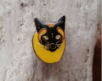 Retro Cat pin - yellow, black, brass tone