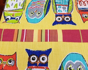 Hoot Owls - yellow! Table Runner Colorful