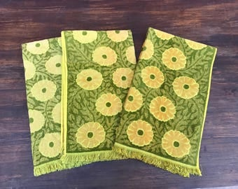 Lot of 3 Vintage Floral Mid Century 1960s Bath Towels. Gold olive Green.