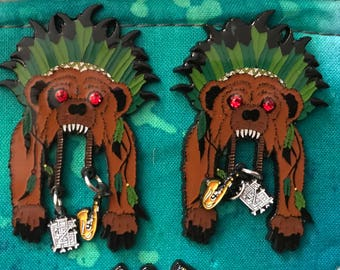 Grizzly Headress Hat Pin