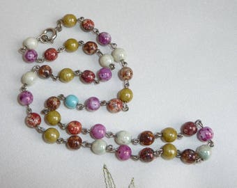 A Lovely Elegant Vintage Venetian Rainbow Faux Scottish Agate Glass Linked Bead Necklace