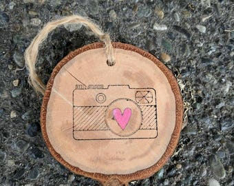 Gift for Photographer - Photographer gift - Camera Ornament - Camera with Heart - Rustic Camera - Wood Slice Ornament - Log Slice Ornament