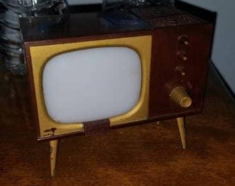 Vintage 1950's Style TV Salt and Pepper Shaker Set