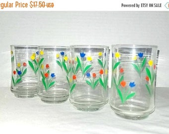 Vintage Tulips Juice Glass,Set of 4,Red,Yellow,Blue,Tulips,Water Glasses,Juice Glass,Retro,Tulips Tumbler,Swanky Swigs,Kitsch,Retro Kitchen