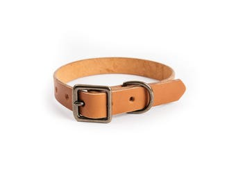 Leather Dog Collar // vegetable tanned english bridle leather, fits medium to large dogs custom fit to order, black, tan, or chestnut.