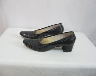 Vintage Black Leather Pumps Women's Size 7.5 M Black Leather Shoes with Croc Pattern Design SEE Details