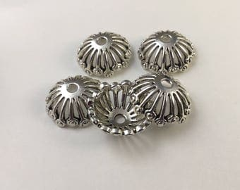 Set of 5 cups / round shape Tibetan style flower caps, 20mm antique silver carved flowers