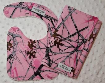 Pink Camo Baby Gift Set